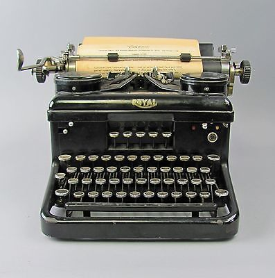 Vintage Royal Typewriter KHM Model H-1686548 1934 with Plastic Cover