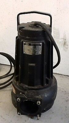 ABS AS16 - 2WCB  Cast Iron  Submersible Pump 240v with control box