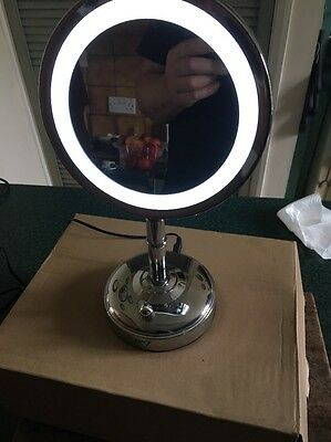 No7 Illuminated Make Up Mirror Rotates 360° With Magnifying