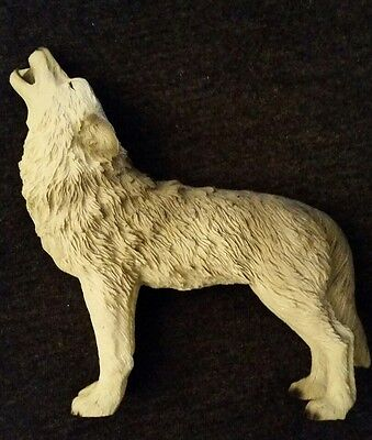 Small lone howling grey wolf statue figure, figurine, majestic beauty! 1991