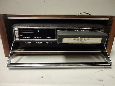 vintage 8 track radio   DYN sonic with home docking station retro trailer