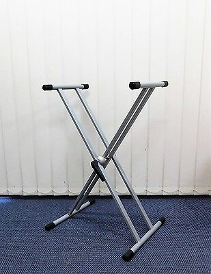 TWO (x2) Gewa KS002 Quik-Release Double Braced Keyboard Stands – Silver Grey