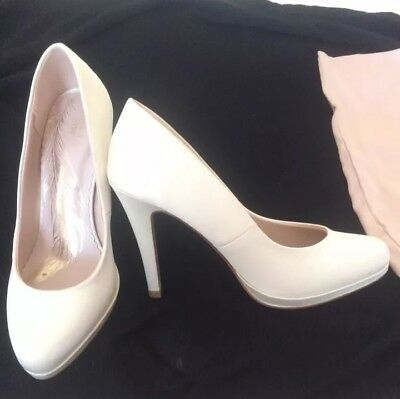 Beautiful M&S Ivory Satin Look wedding / occasion wear Shoes, Size 3 Nearly New