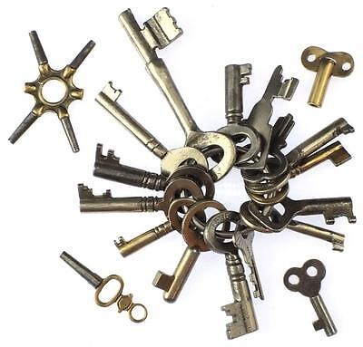 Antique / Vintage Keys x19 Mixed Types - Collecting or Crafts - My Ref.J43