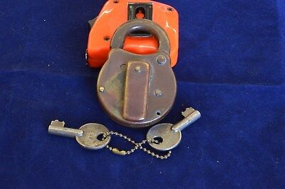 "Antique Vintage ""canadian"" Yale & Towne Ltd Lock And Key"