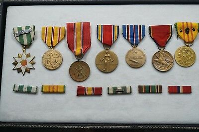 Us Military Marine Corps Ww2 Medals (7) And Ribbon Bars (6)   A814