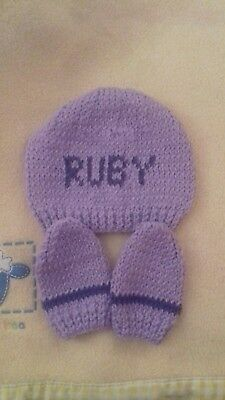 Hand Knitted hat and mitts for newborn to 3 months - RUBY