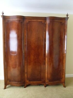 Superb Large Titchmarsh & Goodwin Mahogany Wardrobe Antique Style Armoire Press