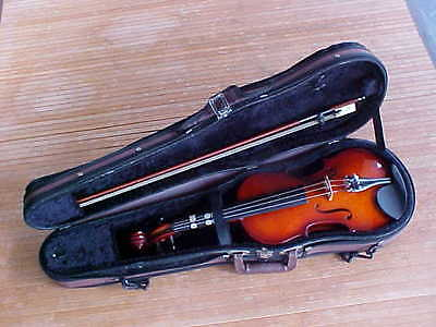 Samick Model SVD100 - 4/4 Size Student Violin + Bow + Case - Beautiful