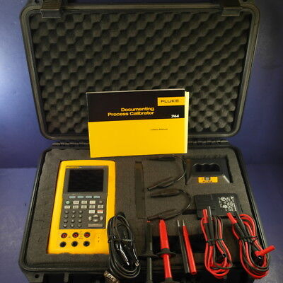 New Condition Fluke 744 Documenting Process Calibrator, Accessories! See Details