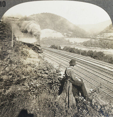 Keystone Stereoview of a TRAIN on Horseshoe Curve in PA from the 1930's T400 Set