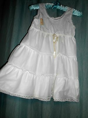 VTG NOS w tag Her Majesty girl poly cotton white full slip tiers lace USA 8 p194