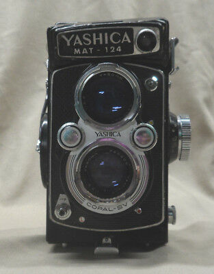 Vintage Yashica MAT-124 120mm Film Camera Yashinon 80mm - AS IS Untested *READ*