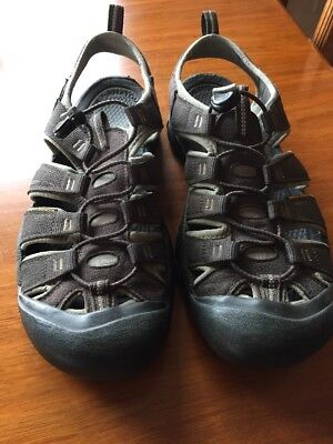 Men's Keens Sandals  Waterproof Size Us 12, Eu 46