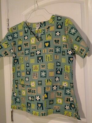 UA Scrubs Womens Floral Scrub Top Size Small Short Sleeve Two Front Pockets