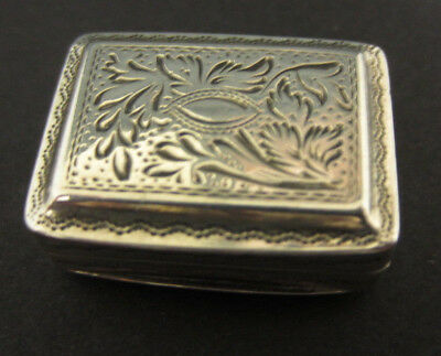 Antique Solid Silver Vinaigrette With Silver Gilt Interior - Birmingham 1823