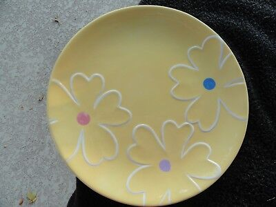 Blossoms Blooms Kohlu0027s White Raised Flowers Colored Center Yellow Dinner Plate & BLOSSOMS u0026 BLOOMS Kohlu0027s White Raised Flowers Colored Center Blue ...