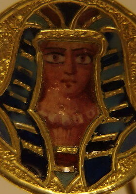 1825 Exquisite Antique 18K Solid Yellow Gold Pin/brooch Showing A Pharaon Enamel