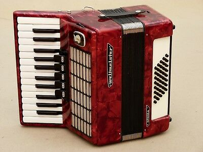 Very Nice Accordion Weltmeister Stella 40 bass including case
