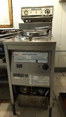 Broaster Cooker in working condition 1800 Broaster Self Cleaning Model