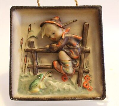 """Hummel Plaque #126 """"Retreat To Safety"""" 5"""" TMK-1 Incised Crown"""