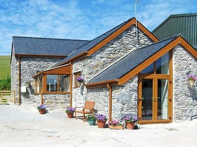 Self Catering holiday Cottage, farm North Wales.   short break October 2-6th
