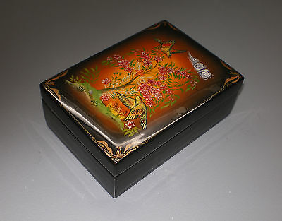 Russian lackdose - Hand Painted - SIGNED - 10 x 7 cm - NEW