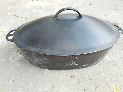 Vintage WAGNER # 1285 Cast Iron Oval Roaster and Lid