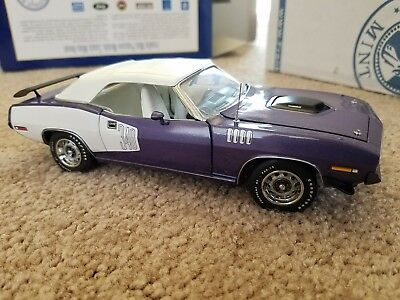 Franklin mint limited edition 1971 Cuda conv. With both boxes and styrofoam box.