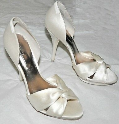 Rachel McAdams as Paige Screen Worn Heels Satin Shoes from The Vow - Love Story