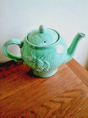 Wade   Leaves  And  Fruit   Design   Teapot