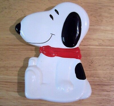 Snoopy Ceramic Spoon Rest by Benjamin & Medwin Excellent Condition!