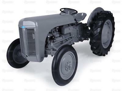 Sparex 1/8 Scale Universal Hobbies Limited Edition Ferguson TE20 Tractor