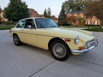 "1974 Mg Mgb Gt Coupe 1974 Mgb Gt Rare Southern Example **zero Rust** ""low Reserve""  Primrose Yellow"