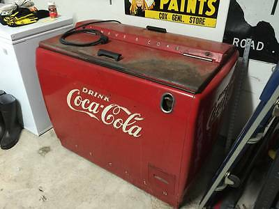Coca-Cola Westinghouse WH-12T Floor Cooler Amazing Patina! New Refrigeration!