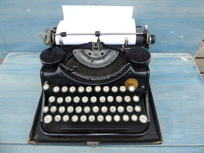 Old Antique Underwood Typewriter European French Configuration Not Qwerty
