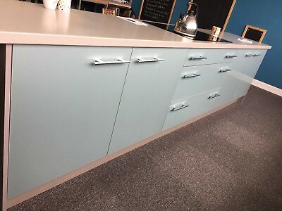 Ivory kitchen doors and units plus double oven hob and for Complete kitchen base units