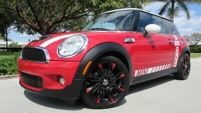 2010 Mini Cooper S 2Dr 2010 MINI COOPER S, XENON, PANORAMIC ROOF, HEATED LEATHER, HK AUDIO/CD/BLUETOOTH
