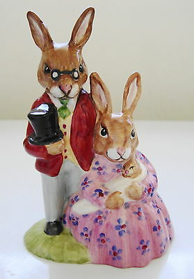 """Royal Doulton: DB1 Family Photograph COLOURWAY ~ VGUC ~ """"Property of RD"""" on base"""