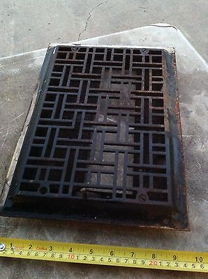 Antique Cast Iron Victorian Heat Grate Register Vent Vintage Geometric Primitive