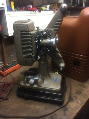 Vintage 16mm Revere Model 48  Movie Projector  With Case - Excellent