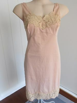 Hickory Scamp lacey deep nude-tone vintage full slip size 14 (US size 10)