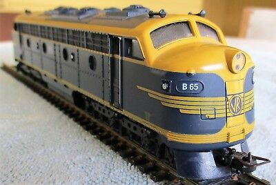 VR Victorian Railways classic B Class Diesel Locomotive by Lima - HO OO Gauge
