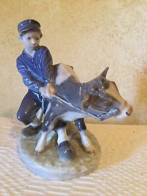 VINTAGE FIGURINE ROYAL COPENHAGEN B&G BING & GRONDAHL Farm Boy With Cow #772