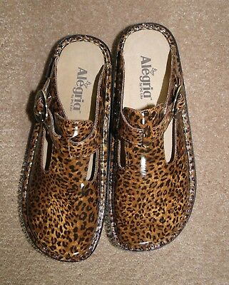 Alegria ALG-417 Classic LEOPARD Leather Slip On CLOGS 38 / 8 - 8.5 New in Box
