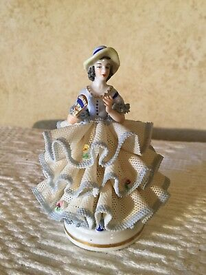 ANTIQUE VINTAGE DRESDEN GERMANY LADY PORCELAIN BLUE LACE FIGURINE Very Pretty!
