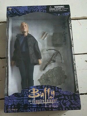 """BUFFY THE VAMPIRE SLAYER - BUFFY SUMMERS 12"""" ACTION FIGURE New Mint Condition"""