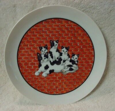 City Cat Plate Brick Wall Cat Gang Group San Francisco Takahashi Made in Japan