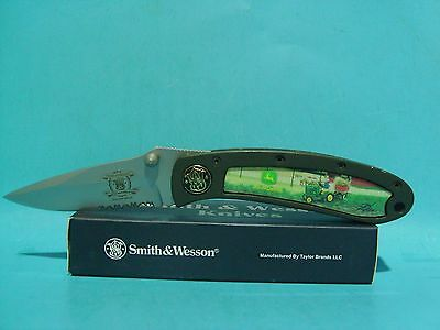 Smith & Wesson John Deere pocket knife 150th Anniversary Tractor Pitchin in