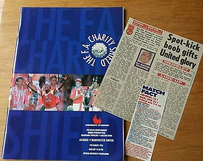1993 Charity Shield Programme AND Newspaper cuttings - Arsenal vs Man Utd